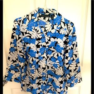 Impressions blue white floral Hawaiian 🌺 top S